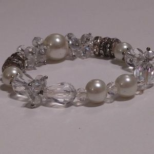 GORGEOUS Crystal Pearl Stretch Bracelet